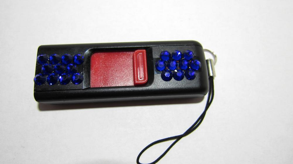 USB Thumb Drive - Sandisk Cruzer (8 gb) w/Blue Swarovski Crystals